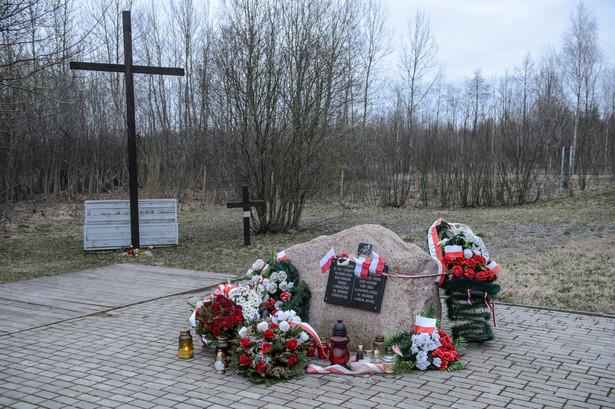 Wcześniej polska delegacja wzięła udział w uroczystościach rocznicowych w Lesie Katyńskim