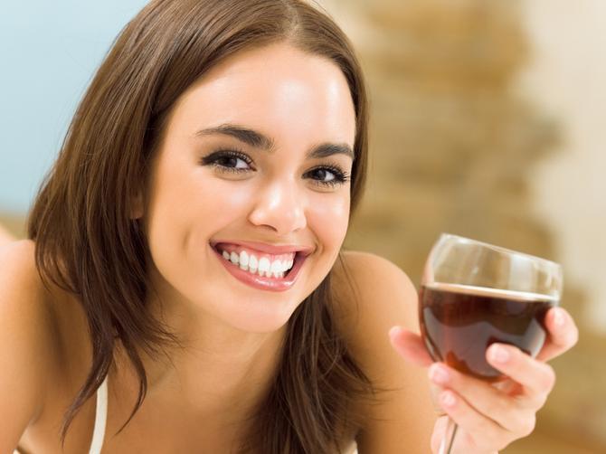 Jedna vrsta vina čuda čini za vaš holesterol