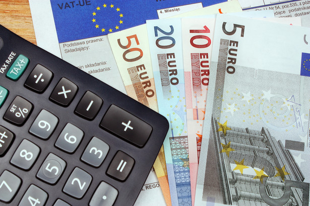 Spór sprowadzał się do tego, czy jest to dostawa łańcuchowa i polska spółka może stosować zerową stawkę VAT.