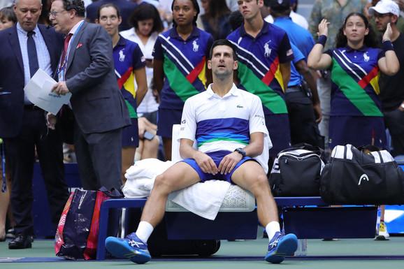 """""""NOVAK IMA 500 MILIONA, IZNERVIRAM SE KAD ČUJEM DA IGRA POD STRESOM"""" Brutalan udar legende tenisa po Đokoviću: Najbolji iz """"velike trojke"""" je Federer"""