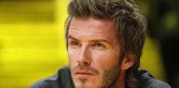 Szok! David Beckham depiluje nogi!