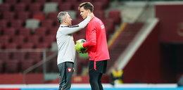 Trener jeździ po Europie i rozmawia z piłkarzami. Brzęczek gasi pożar w reprezentacji