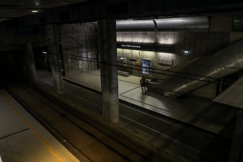 Tunel pod Politechniką tonie w ciemnościach