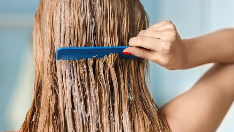 Czym powinno się czesać włosy?
