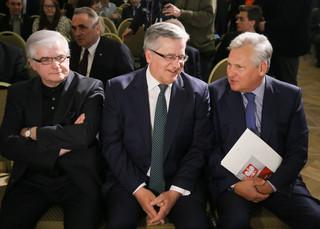 Byli prezydenci: O konstytucji trzeba dyskutować, ale w duchu wspólnoty