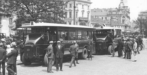 Stołeczne autobusy miejskie obchodzą setne urodziny