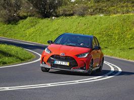 Nowa Toyota Yaris - koniec z nudnymi samochodami