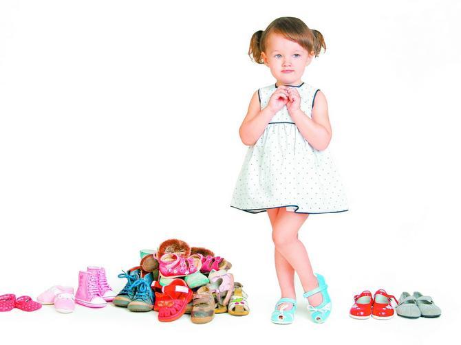Fizioterapeut savetuje: Kako da izaberete najbolju letnju obuću za decu!