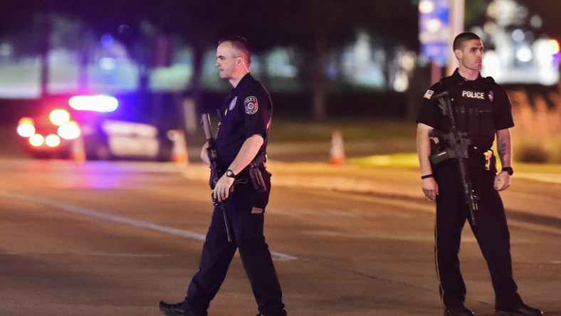 Policjanci na ulicach Garland