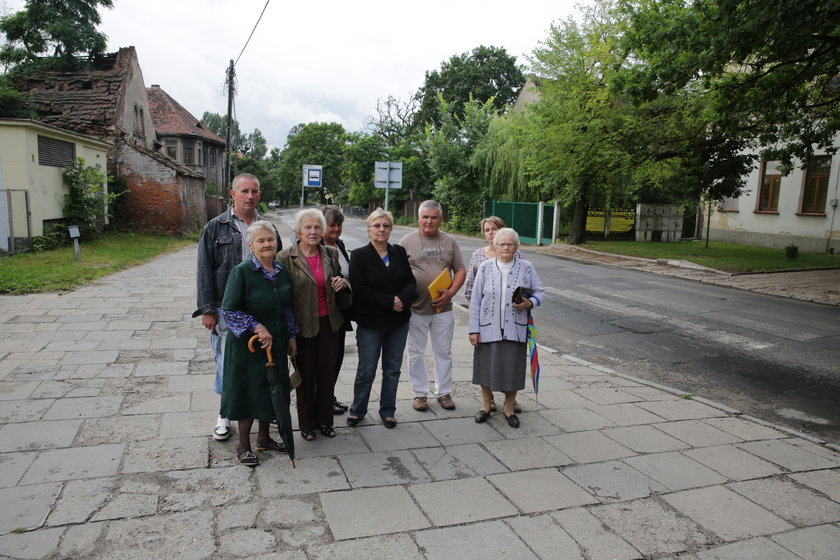 Mieszkańcy chcą budowy parkingu