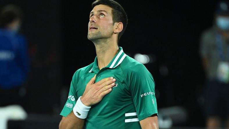 Novak Djokovic z awansem do półfinału Australian Open. PAP/EPA.