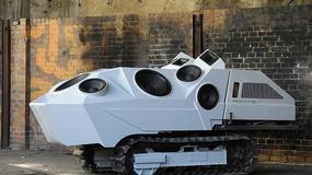 Czołg strzelający dźwiękiem
