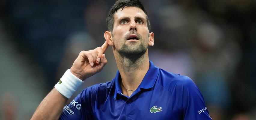 Novak Djoković nie ma taryfy ulgowej. Szoruje gary po nocnych meczach