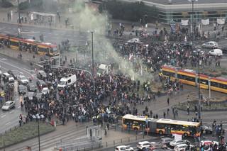 Warszawa: Rozpoczął się protest Strajku Kobiet i przedsiębiorców