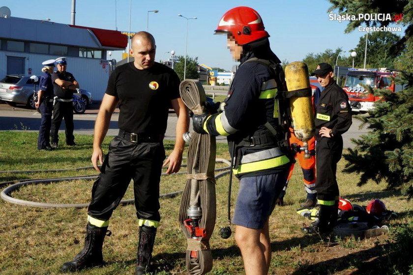 Płacisz mandat albo nosisz worek z trupem - szokująca akcja policji w Częstochowie