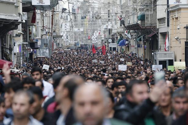 Zamach skierowany był w uczestników pokojowego marszu