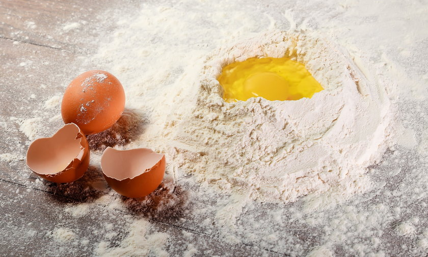 Co dodać do ciasta zamiast jajka? Każdy zamiennik ma inne właściwości, więc dobierz go do rodzaju wypieku.