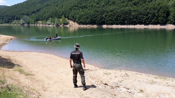 Potraga za telom mladića na Krajkovačkom jezeru