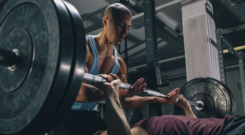How To Be The Ultimate Gym Spotter