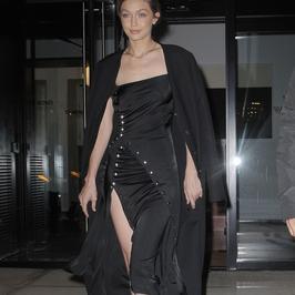 Gigi Hadid jak gotycka księżniczka. Było o krok od wpadki!