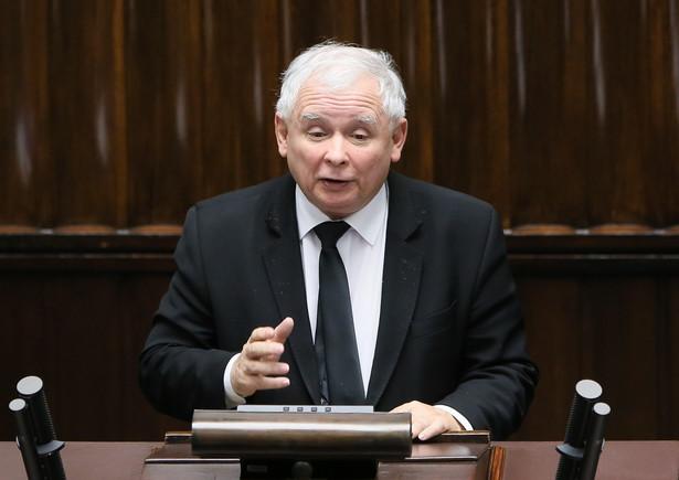 PAP zapytała prezesa PiS, czy będzie nowa wersja podatku handlowego po tym, jak niektóre rozwiązania zakwestionowała Komisja Europejska.