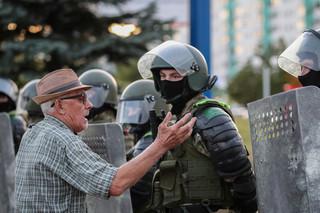 Białoruskie MSW potwierdza: Ponad tysiąc zatrzymanych podczas protestów we wtorek
