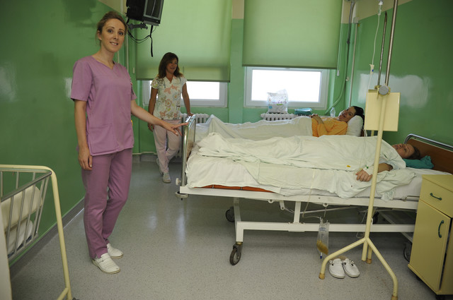 """""""Prezadovoljna sam kako sve sad izgleda"""", kaže za """"Blic porodilja Ana Popović"""