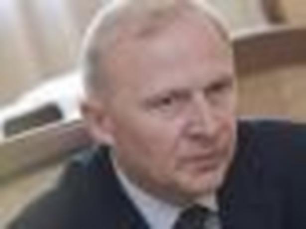 Czesław Mroczek, odpowiedzialny za zakupy nowego sprzętu i uzbrojenia wiceminister obrony narodowej, twierdzi, że decyzja o tym, jakie zestawy rakietowe trafią na wyposażenie naszej armii, zapadnie w 2015 r.