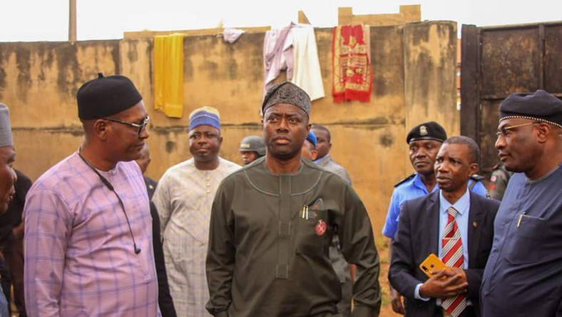 Governor Seyi Makinde visits the illegal correctional centre at Olore Central Mosque, Ojoo, Ibadan. [Twitter/@seyiamakinde]