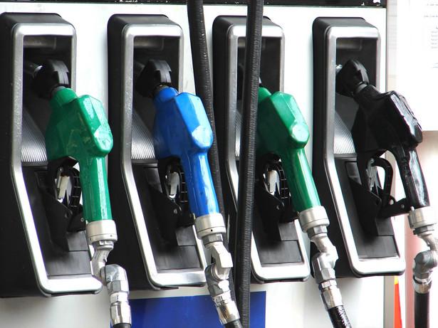 Normą stanie się w całej Polsce cena 5 zł za litr benzyny