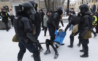Na protestach w obronie Nawalnego zatrzymano już ponad 4 tysiące osób