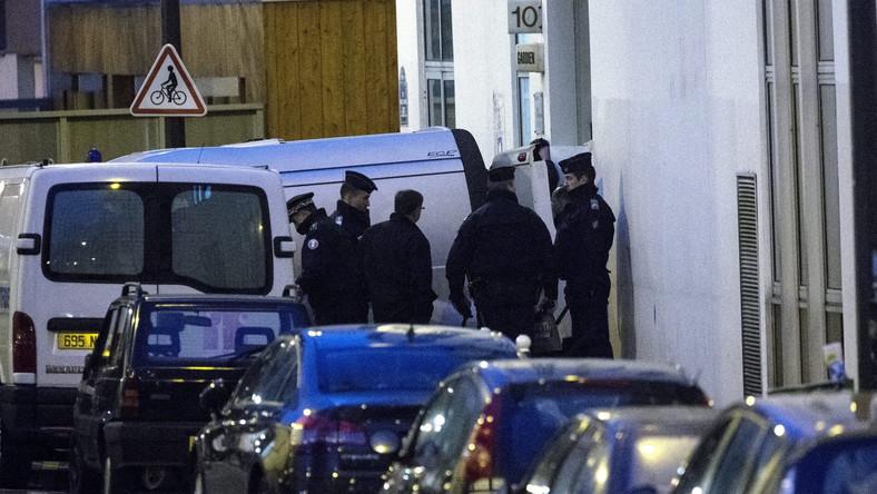 Znów strzelanina w Paryżu. Ranny został policjant