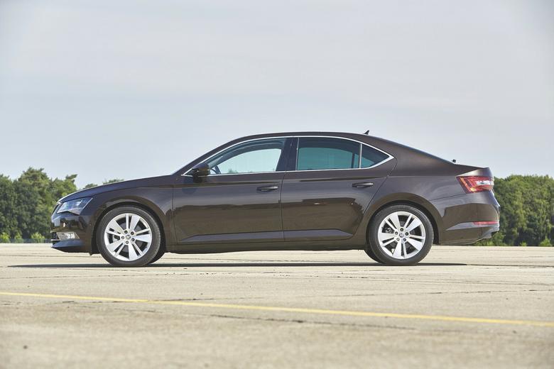 Czytelnicy Mają Głos – nowa Insignia kontra Mondeo, Mazda 6 i Superb