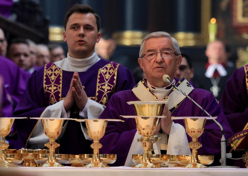 W ten sposób abp Głódź krył księdza skazanego za molestowanie 15-latki