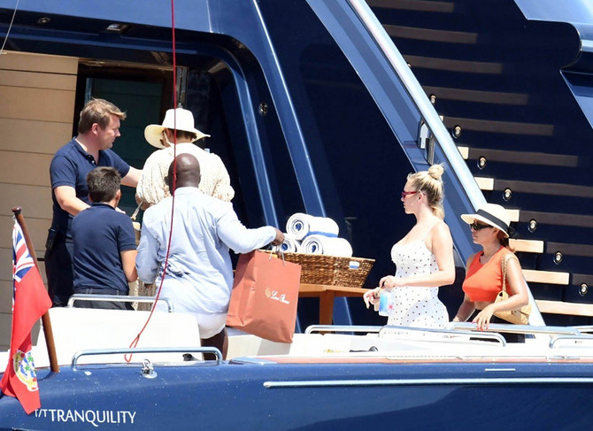 Kris Džener i Kori Gembl dolaze na jahtu