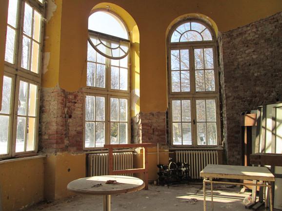 Propala lepotica: Unutrašnjost je potpuno ruinirana