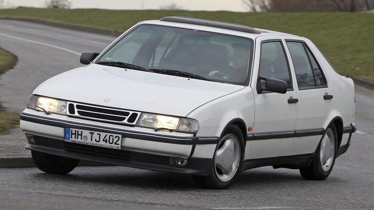 Z archiwum Auto Świata - Saab 9000 2.0 Turbo: auto z lotniczymi korzeniami