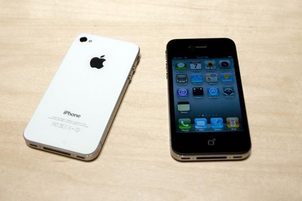 Wprowadzanie co roku na rynek nowego iPhone'a, w połączeniu z dążeniem fanów Apple do posiadania najnowszego urządzenia, sprawiło, że miliony starych telefonów znowu znalazły się w obiegu. Fot. Bloomberg