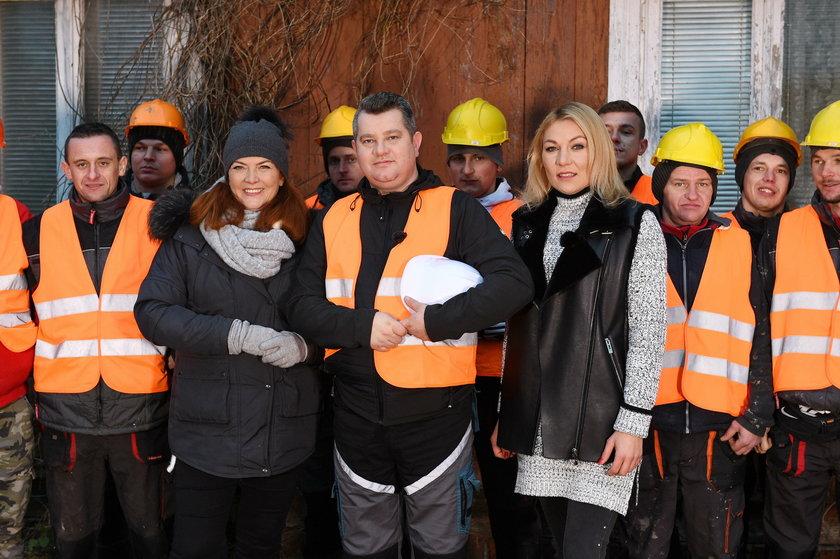 Katarzyna Dowbor z ekipą budowlana programu