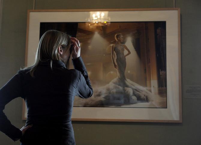 Fotografija Eni Lebovic na izložbi u Sankt Petersburgu 2011.