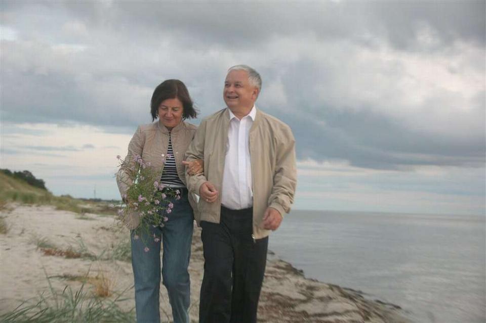 Znalezione obrazy dla zapytania kaczyński z żoną w juracie