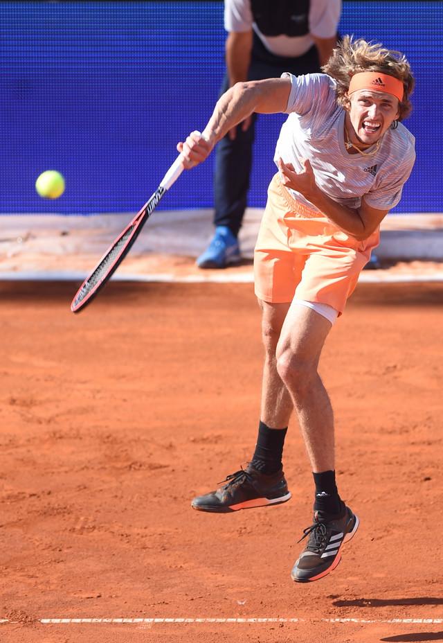 Aleksandar Zverev na Adria tour turniru u Beogradu servira protiv Đokovića
