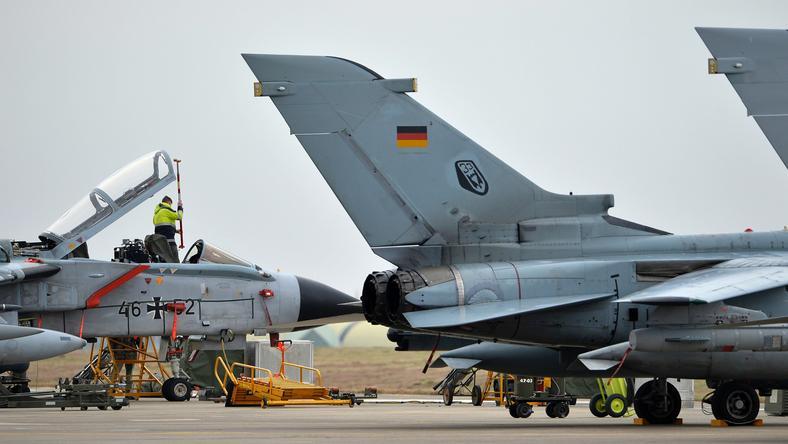 Niemieckie samoloty w bazie Incirlik w Turcji
