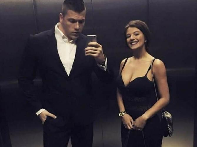 Srbija bruji o Kiji Kockar: Ko je ZAPRAVO žena koja deli krov sa MUŽEM I LJUBAVNICOM i da li stvarno moramo da znamo za nju?