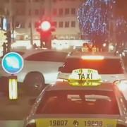 Bahati vozač na Trgu republike