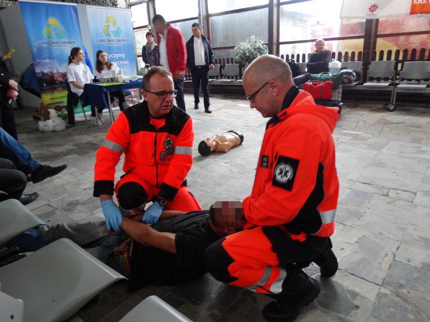 Medycy uratowali życie mężczyzny podczas akcji pokazowej