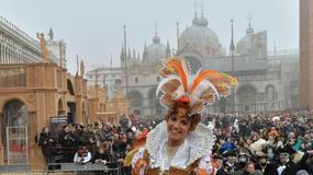 Dziesiątki tysięcy ludzi na inauguracji karnawału w Wenecji