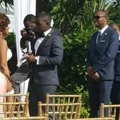 Okačili su sliku sa venčanja, a svi gledaju u jedan NEPRISTOJAN DETALJ: Da li ga vi vidite?