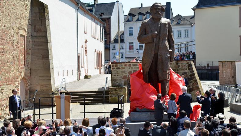 Odsłonięcie pomnika Karola Marksa
