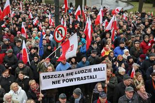 Manifestacja Komitetu Obrony Demokracji na ulicach Warszawy [ZDJĘCIA]
